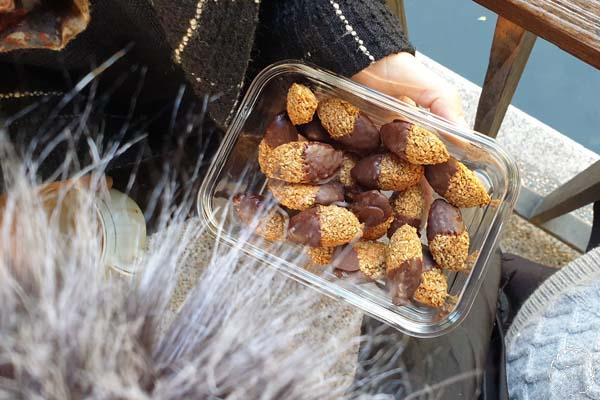 windpuschel,kokosbusserl im glasgefäß
